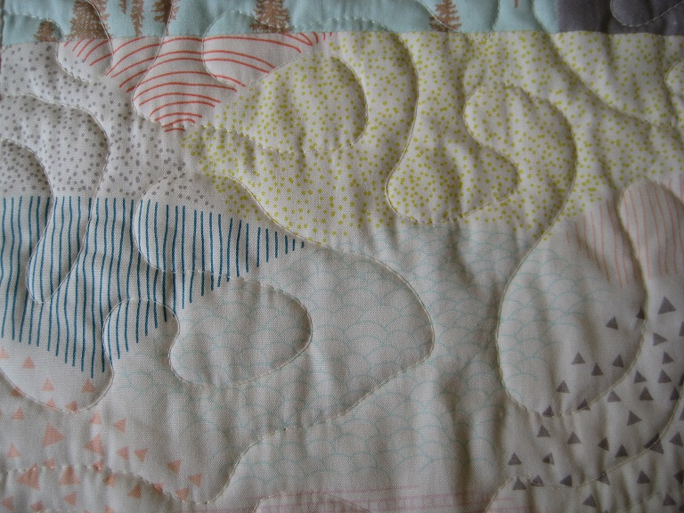 Wonky Log Cabin Quilt // free motion quilting // Holm Sown