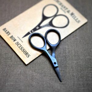 MerchantMills_BabyBow_Scissors