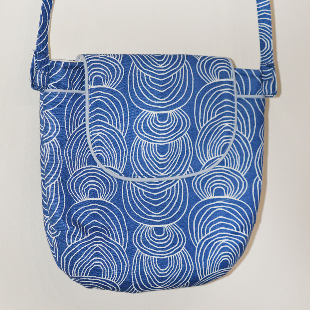 Crossbody Gatherer Bag // Rain Walk Ripple Canvas // Holm Sown