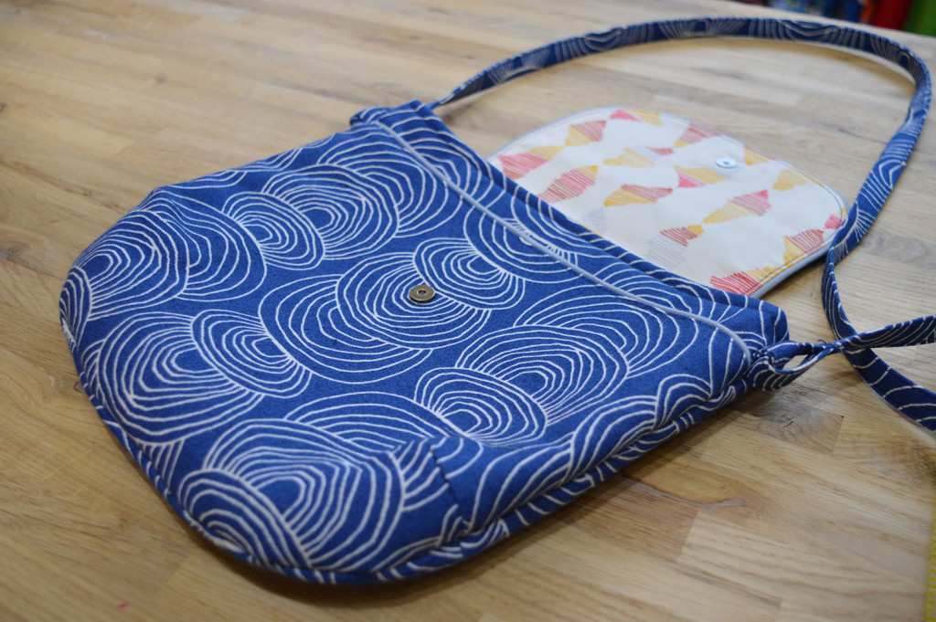 Crossbody Gatherer Bag // Rain Walk fabrics // Holm Sown