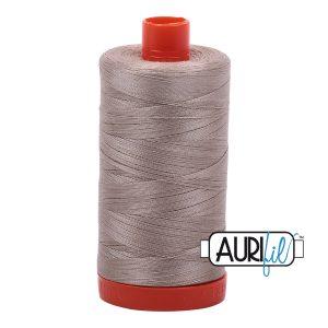 AURIfil Mako 50wt thread // cotton thread // #5011 rope beige // Holm Sown