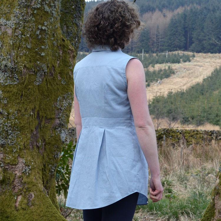 Deer & Doe Bruyere Shirt // chambray // back view // Holm Sown
