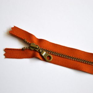 YKK Donut Pull Metal Tooth Zip // 14 inch / 35.5cm // rust orange // Holm Sown