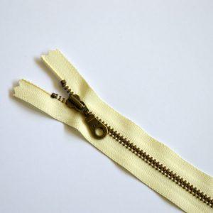 YKK Donut Pull Metal Tooth Zip // 14 inch / 35.5cm // vanilla cream // Holm Sown