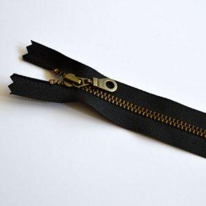YKK Donut Pull Metal Tooth Zip // 14 inch / 35.5cm // black // Holm Sown