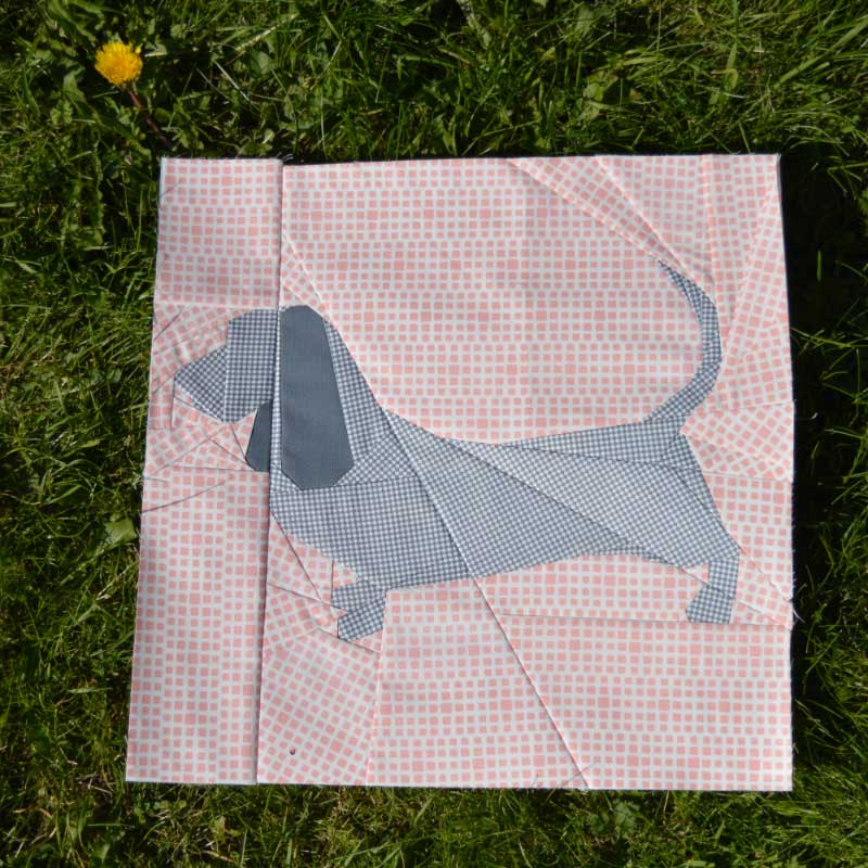 DGMQG Pieced Pup Bee Block | Holm Sown