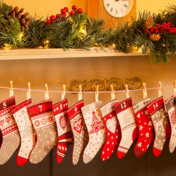 My Weekly Christmas Special Issue 21 | Advent Stocking Bunting | Holm Sown