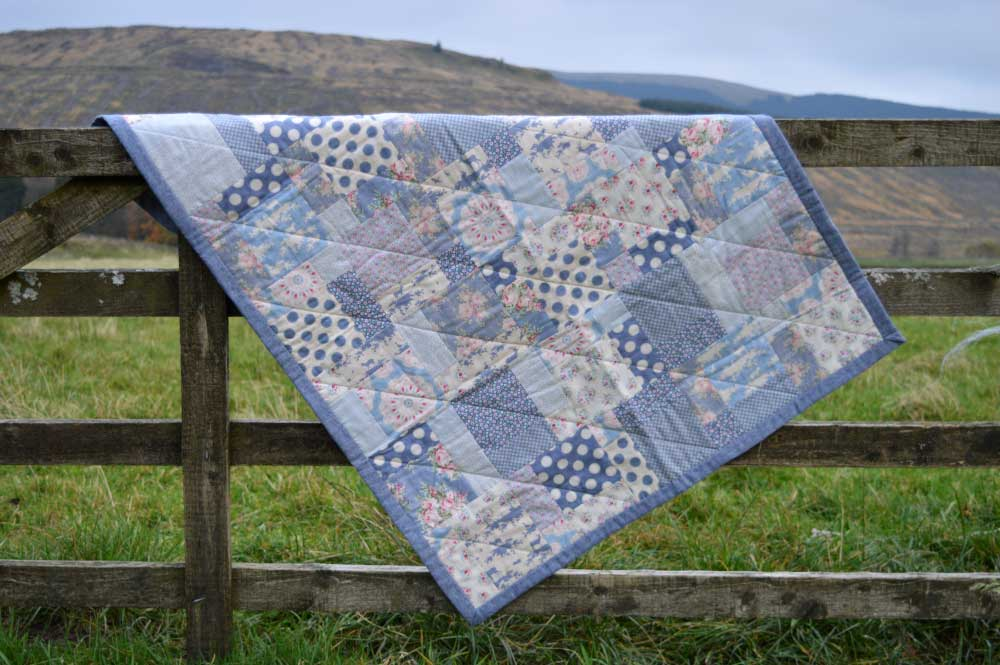 Tilda Sweetheart Nine Patch Quilt | on the gate | Holm Sown