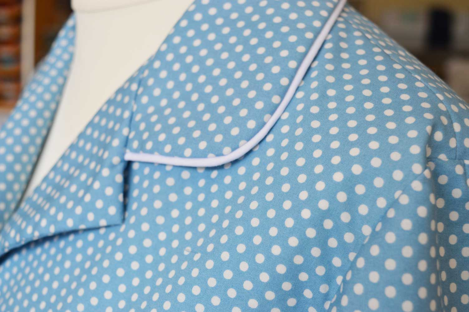 McCalls 6659 Spotty Pyjama Set For Spring   collar piping detail   Holm Sown