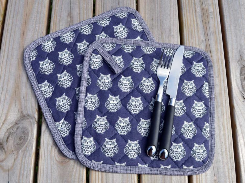 Quilted Pot Holders - Papillon Owls | 2 | Holm Sown