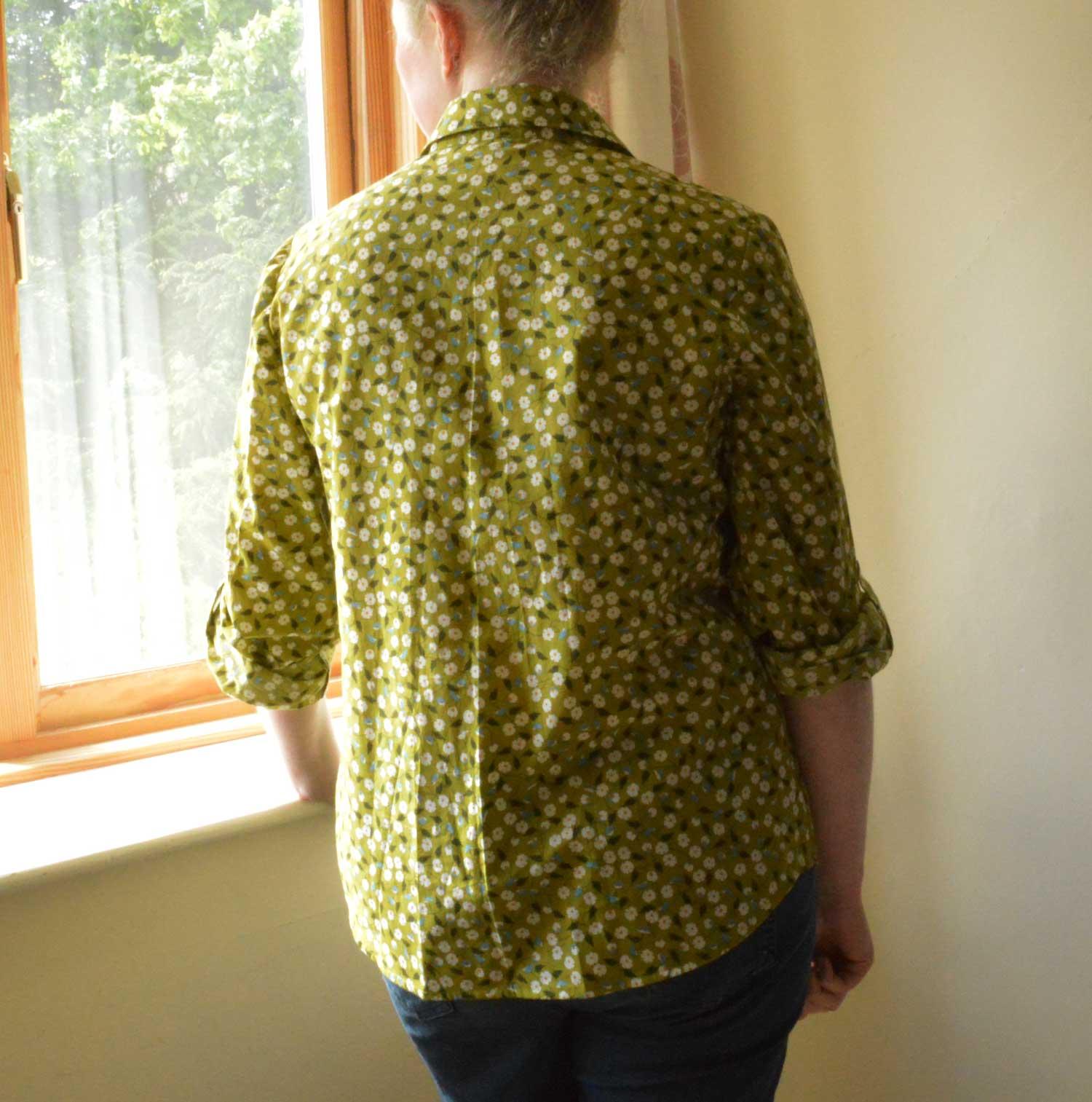 Holm Sown: Butterick B5526 Shirt // daisy pima cotton lawn - green // shirt back