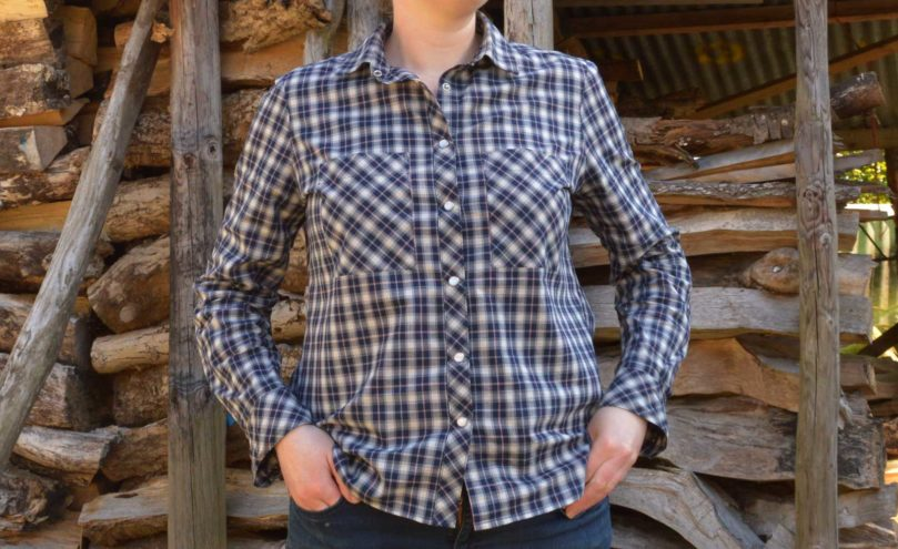 Holm Sown: Grainline Studio Archer Shirt in Castle Check Cotton - Navy // front detail