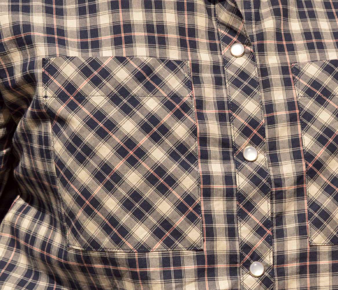 Holm Sown: Grainline Studio Archer Shirt in Castle Check Cotton - Navy // pocket detail