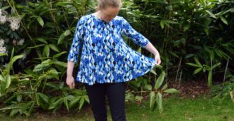 Holm Sown: McCalls M7407 by Melissa Watson - Swing Tee // fabric: retro ripple viscose jersey // side flare detail