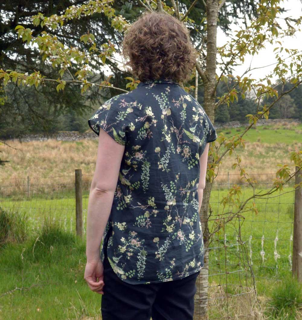 Holm Sown: McCalls M7472 raglan sleeve shirt - back view