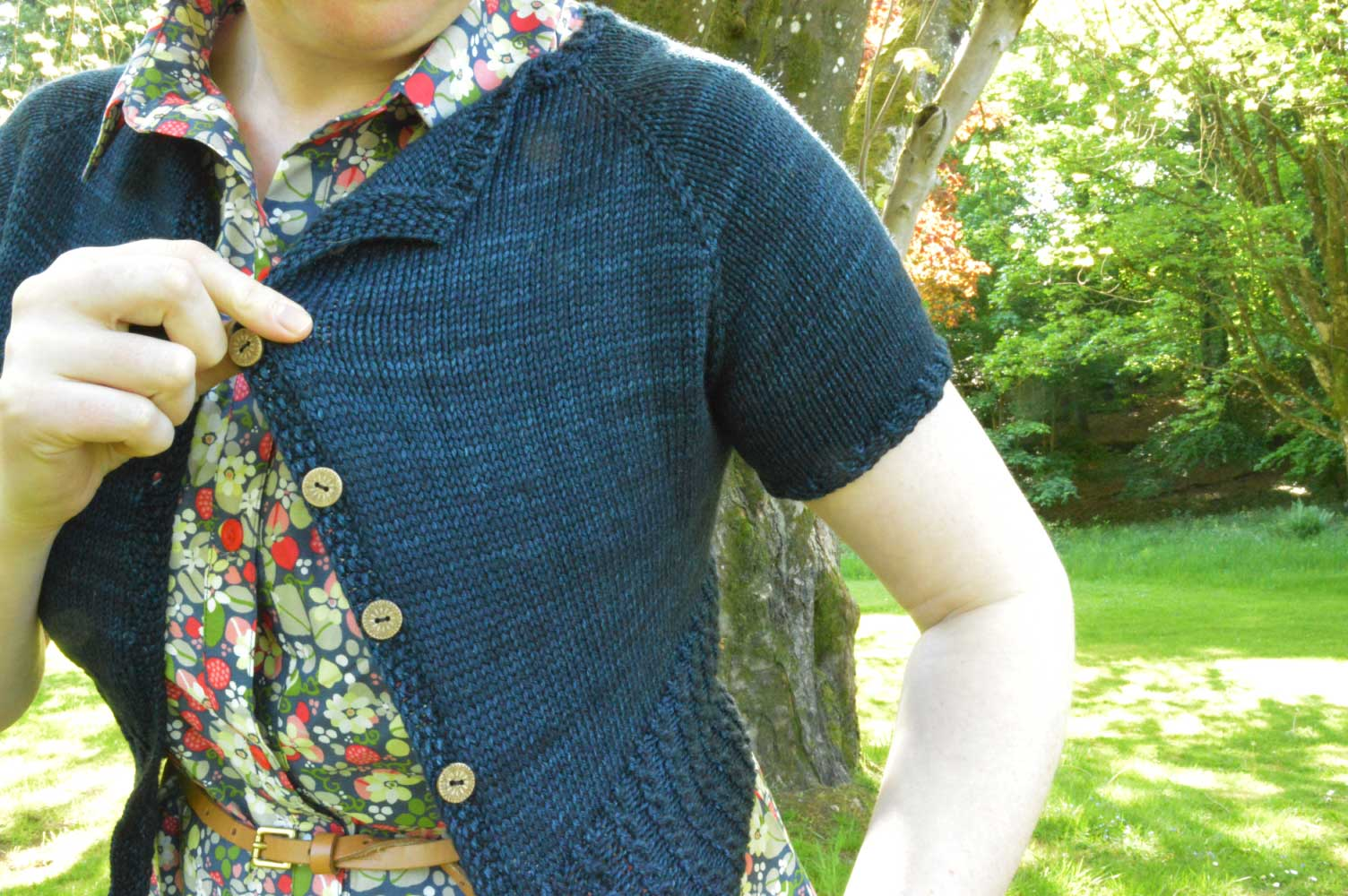 A summery knitted cropped cardigan - Peggy Sue | Holm Sown