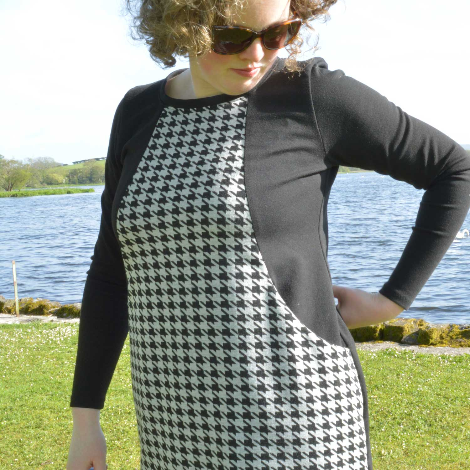 Holm Sown: Sew Over It Heather Dress - black and white houndstooth ponte roma // curved pocket detail