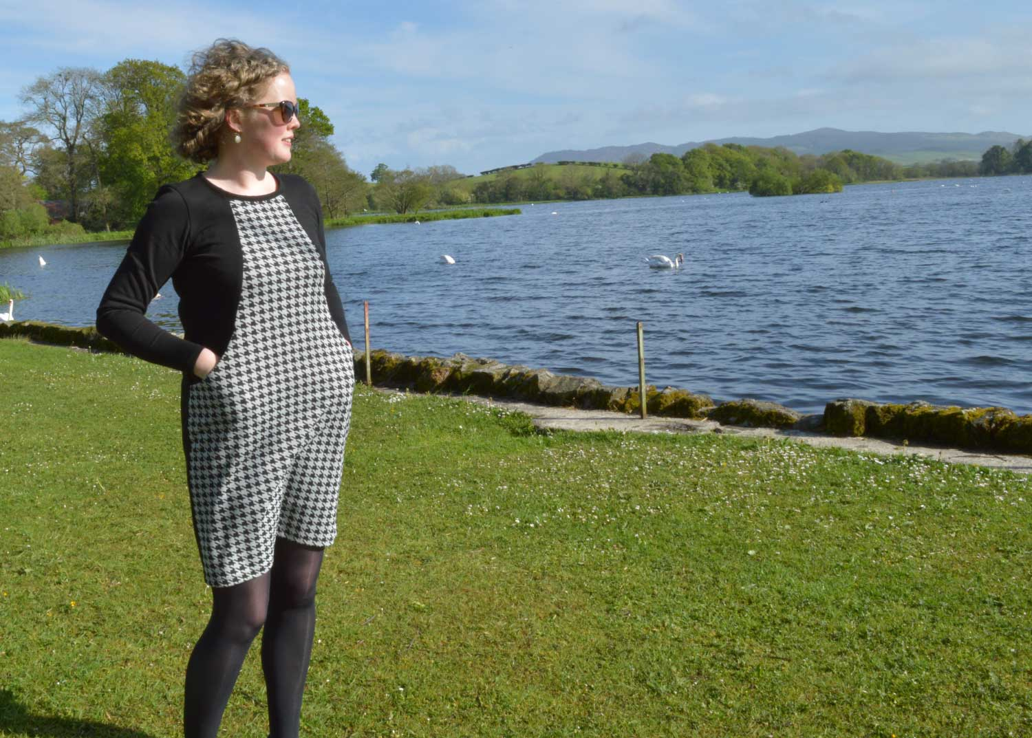 Holm Sown: Sew Over It Heather Dress - black and white houndstooth ponte roma // front view with pockets