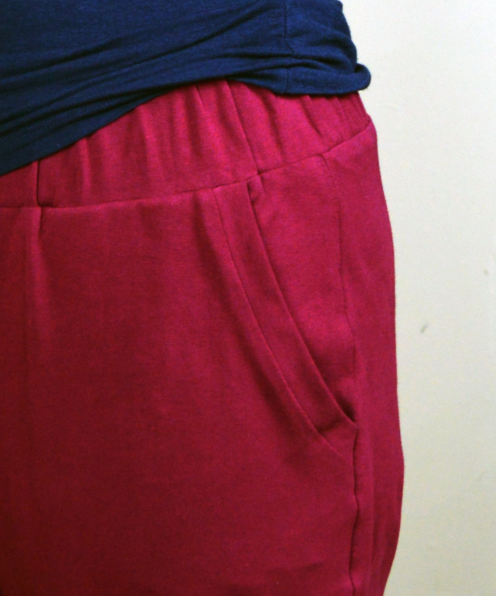 Holm Sown: True Bias Hudson Pant - Burgundy Cotton Jersey // pocket detail
