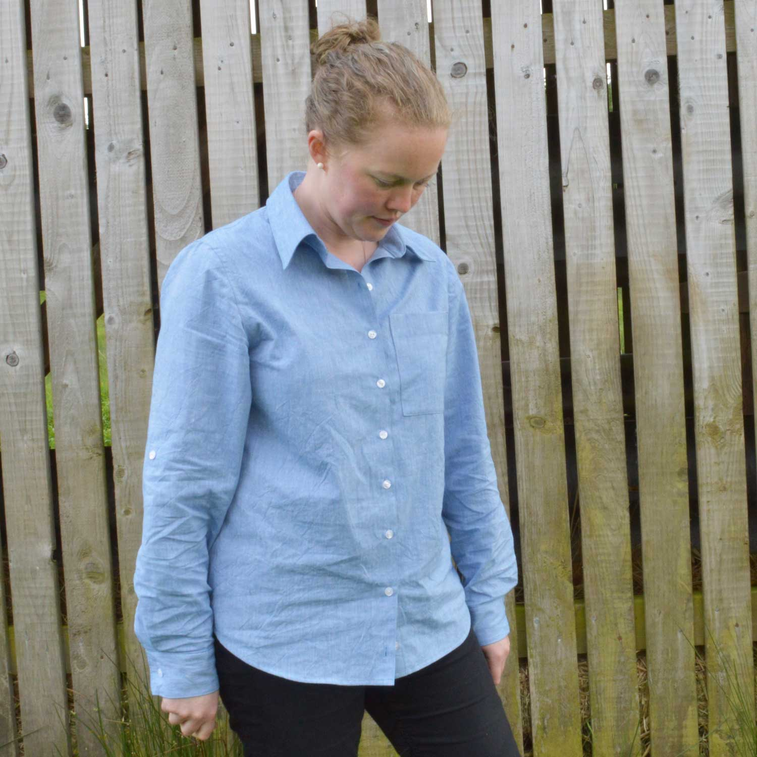 Holm Sown: Butterick B5526 Shirt in yarn dyed cotton chambray // front view with sleeves down