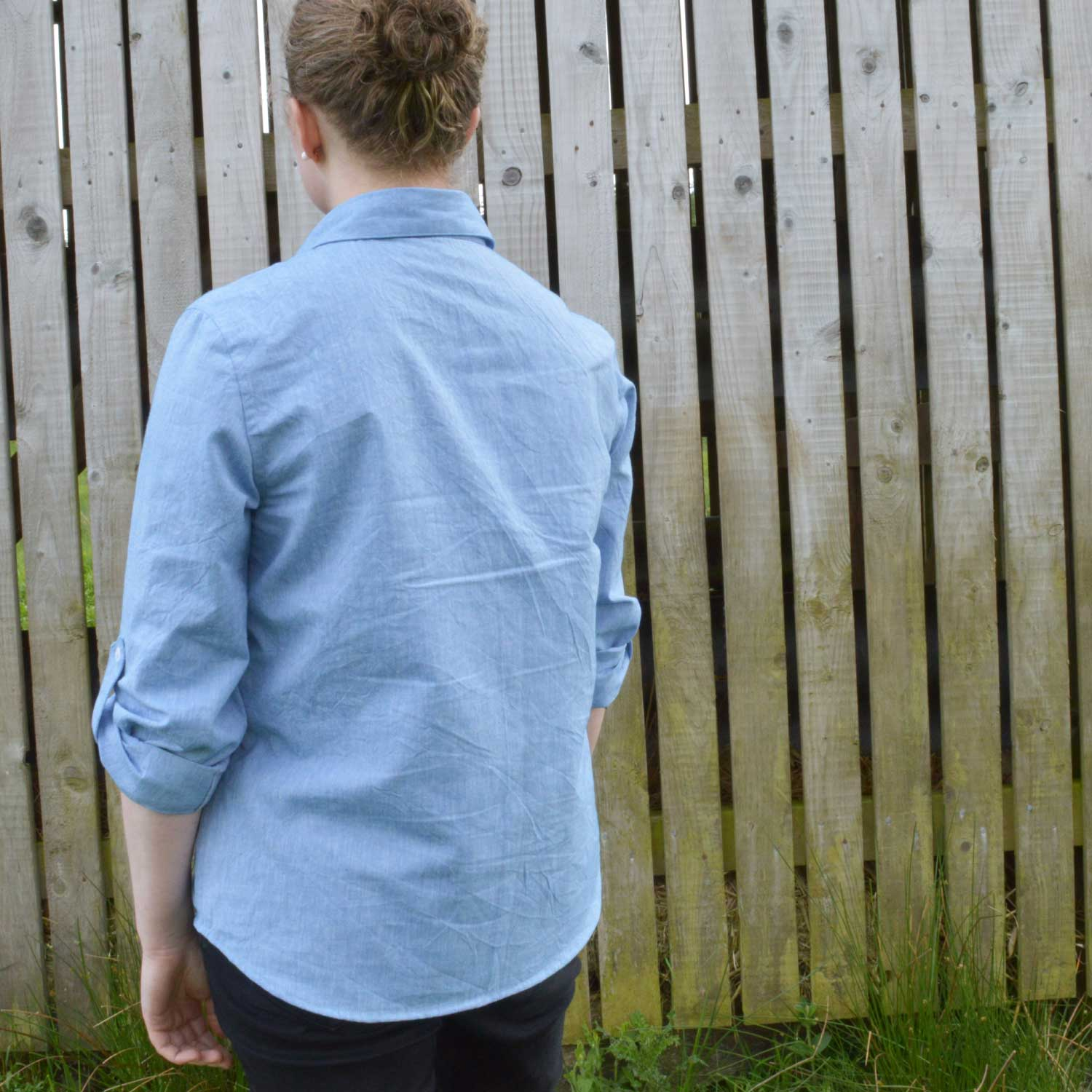 Holm Sown: Butterick B5526 Shirt in yarn dyed cotton chambray // back view