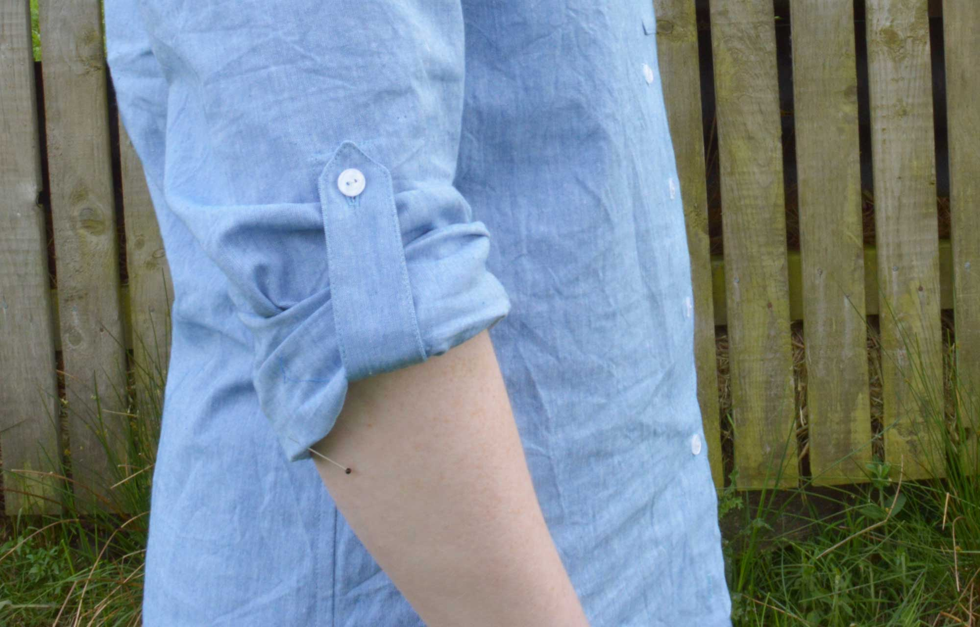 Holm Sown: Butterick B5526 Shirt in yarn dyed cotton chambray // sleeve roll tab detail