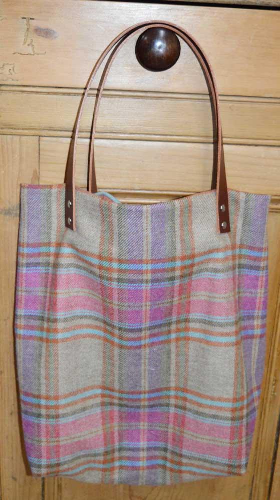 Sewn at Holm Sown - Genoa Tote Bag // tweed bag with brown leather handles