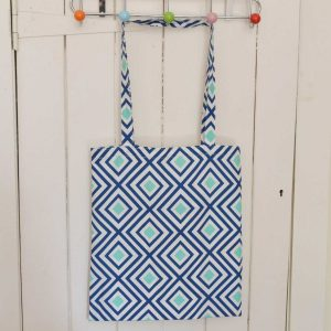 Sewing 101: Learn to Sew Tote Bag // sewing class // Holm Sown