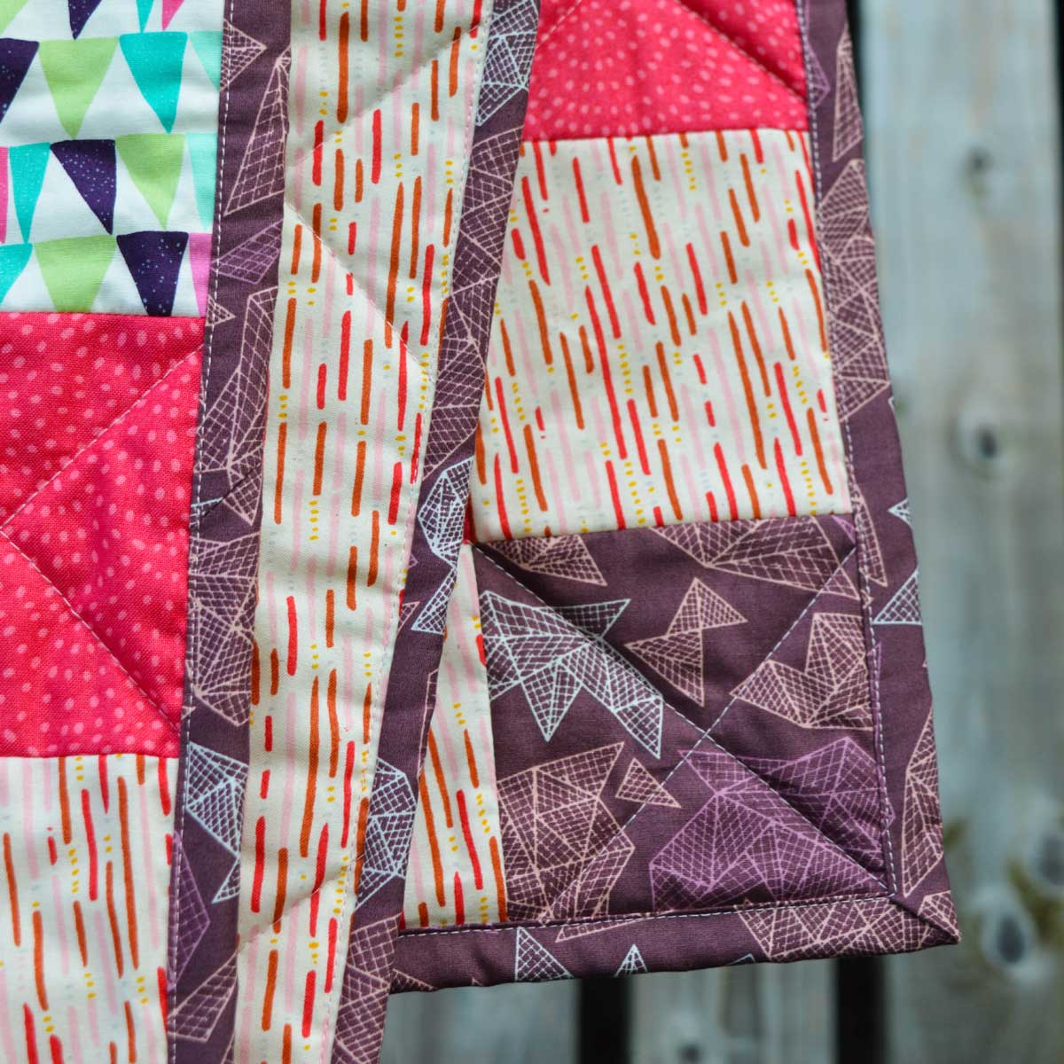 Holm Sown: One Scoop or Two? - A Trip Around The World Quilt // machine sewn binding