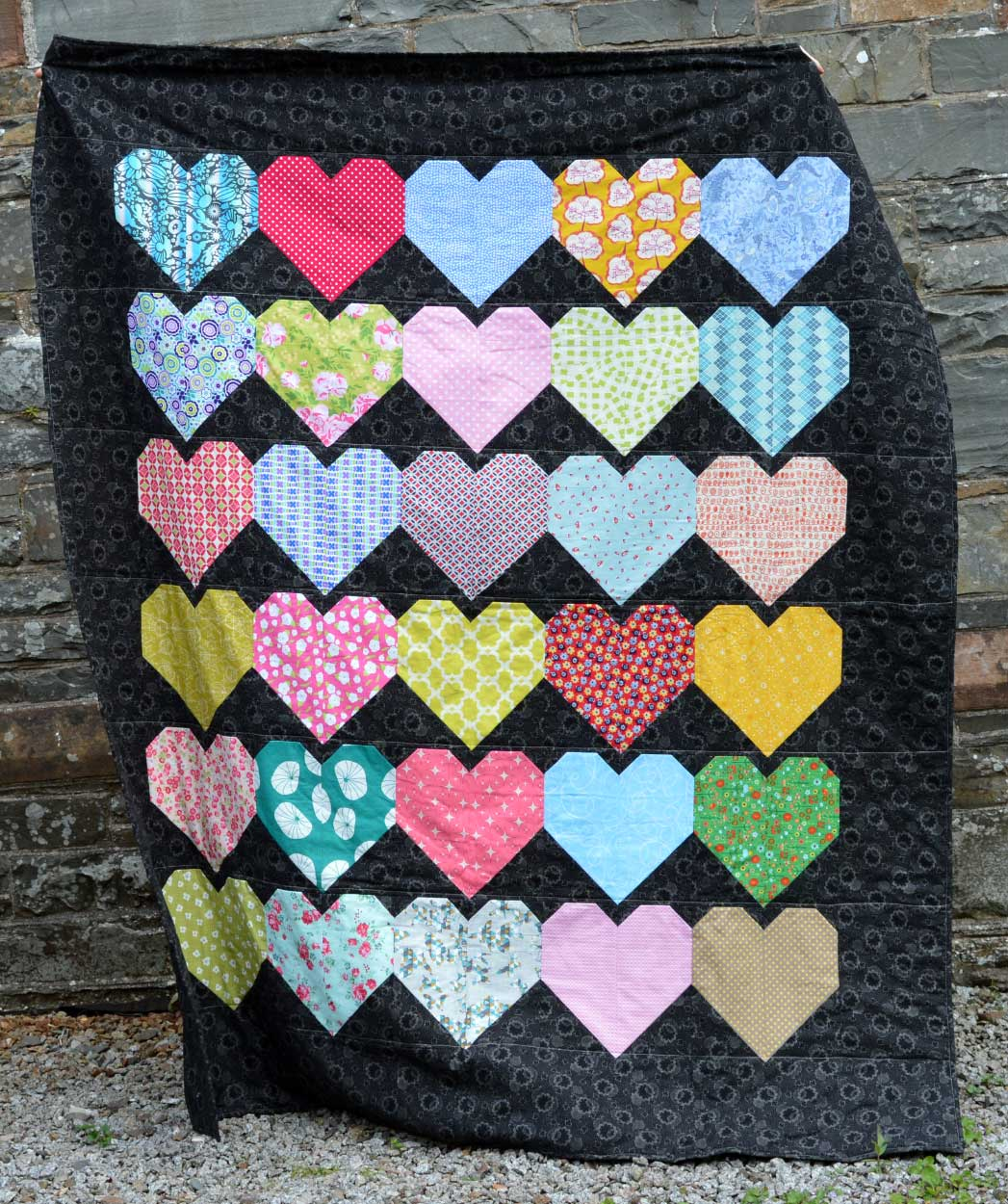Quilts for Grenfell - Dumfries & Galloway Modern Quilt Guild (DGMQG) // Hearts Quilt