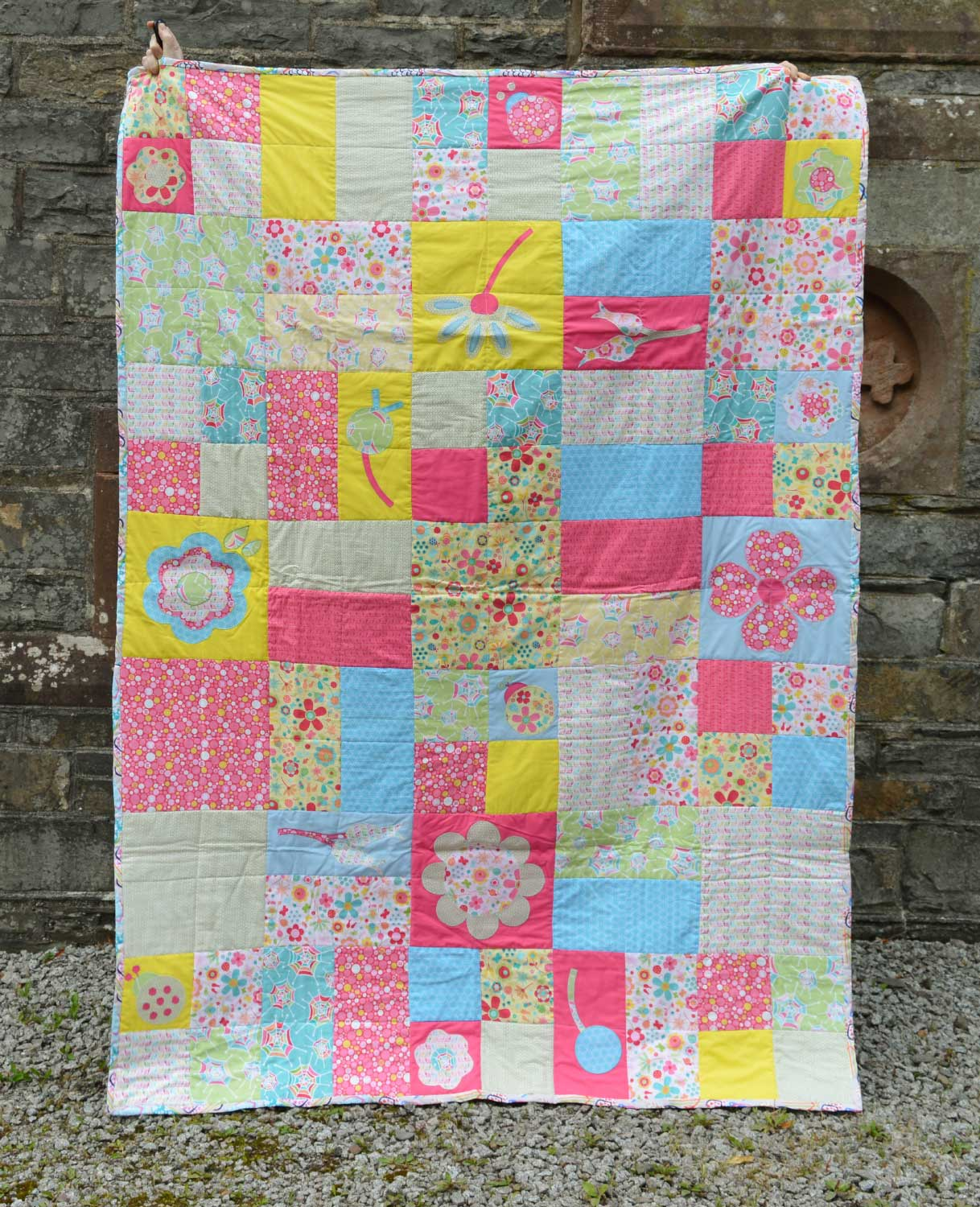 Quilts for Grenfell - Dumfries & Galloway Modern Quilt Guild (DGMQG) // Applique Quilt